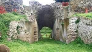 Ingresso dell'anfiteatro di Cumae